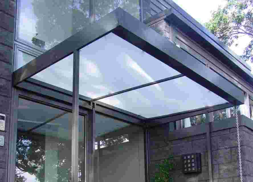 'Monte Carlo' Contemporary Box Awning
