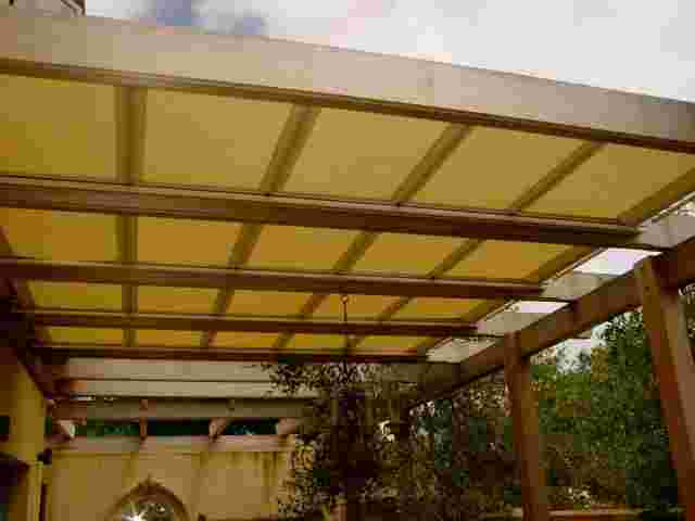 Retractable Awnings - DSC04288 copy.jpg