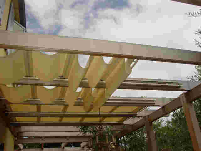 Retractable Awnings - DSC04290 (1).jpg