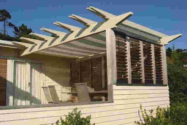 Retractable Awnings - trust_roller_screen copy.jpg