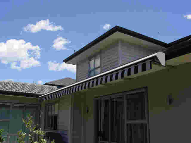 Retractable Awnings - gutter-mounted-awning.jpg