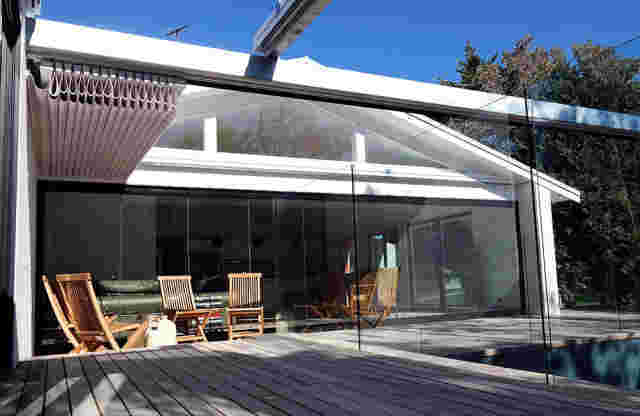 Retractable Roof - Oztech Retractable roof over pool deck area